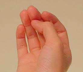小提琴握弓时拇指的形态