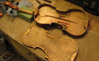 拆卸小提琴背板