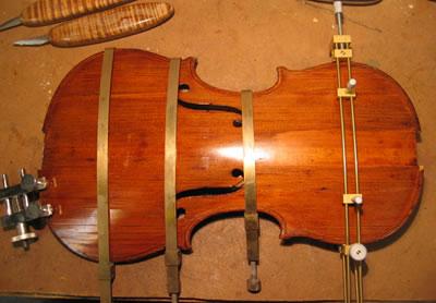 修复小提琴所使用的木材及方法