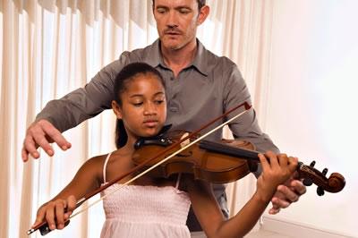 小提琴教师对学生的练琴安排