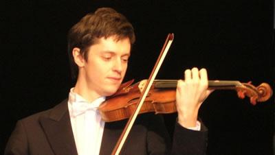 小提琴左手持琴姿势和肩托的使用