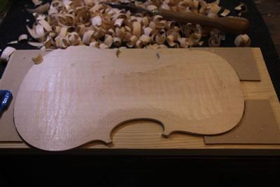 小提琴面板制作之板里厚度制作