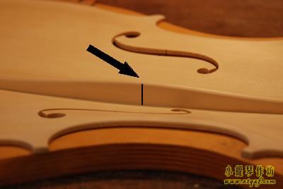 小提琴低音樑高度参考位置