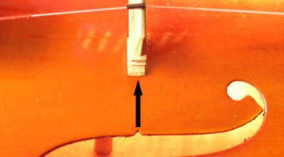 小提琴琴码的安装位置及琴弦的安装方法