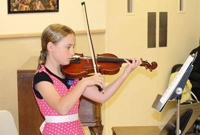 初学小提琴持弓的姿势训练