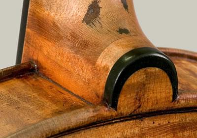 小提琴肩纽镶嵌乌木圈的方法