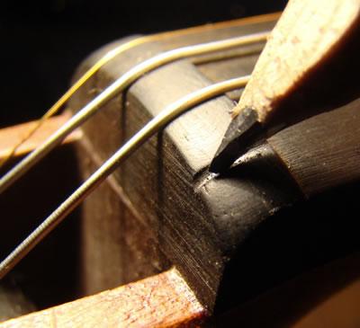 小提琴弦枕的安装制作方法