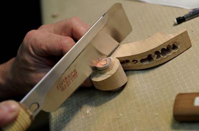 制作提琴使用的锯切工具