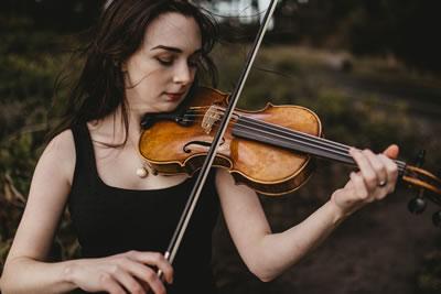 小提琴左手指对发音影响的三个方面