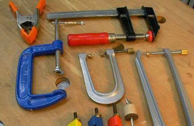 提琴拼接缝隙使用的工具