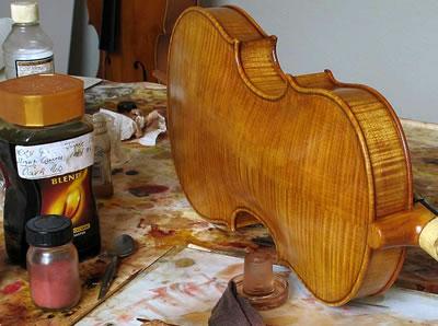 小提琴酒精漆和仿古漆的利与弊