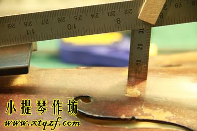 小提琴指板到面板的距离高度测量方法