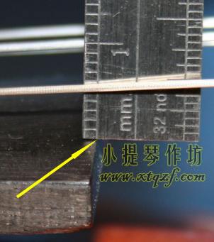 小提琴琴弦距离指板的高度