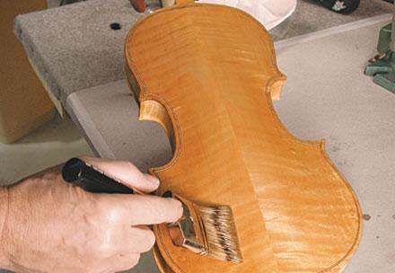 提琴油漆刷漆的方法