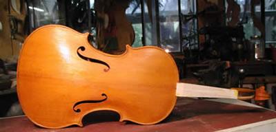 提琴油漆润色中颜色的运用方法