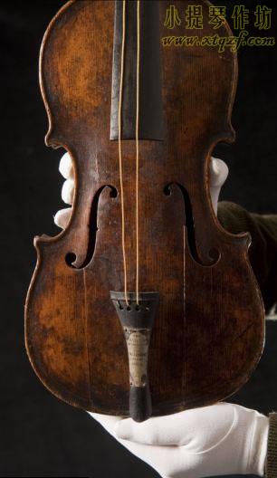 华莱士哈特使用的小提琴