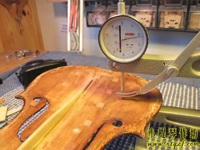 琴板的厚度调整