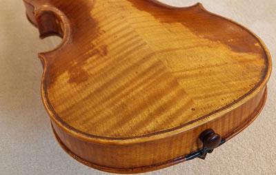 关于提琴背板的花纹(虎皮纹)