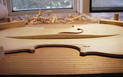 阿马蒂与斯特拉迪瓦里提琴低音樑分析