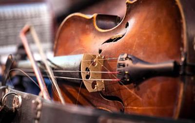 利用X射线和CAT扫描揭示黄金时代小提琴的秘密