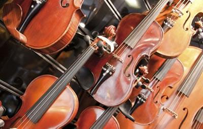 工厂琴、工作室琴和职业制作家的琴的差距在哪里?
