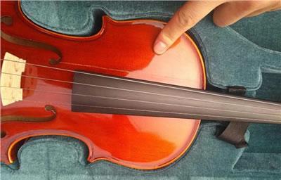 近万元小提琴寄顺丰快递被摔 保价赔偿怎么解决?