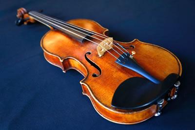 曾经失窃的斯特拉迪瓦里小提琴再次华丽奏响