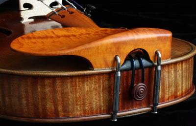 小提琴腮托的位置调整