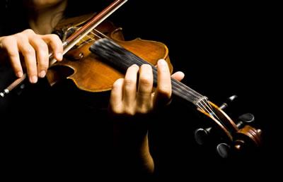 小提琴拉下弓的时候弓会跳动