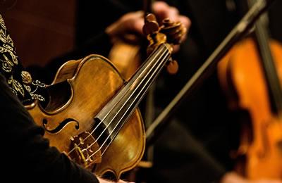 浅析浪漫主义小提琴协奏曲的艺术风格