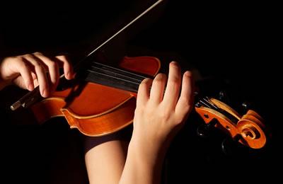 浅谈小提琴揉弦技术的运用