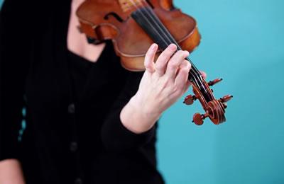 手腕与手臂的小提琴揉弦技巧
