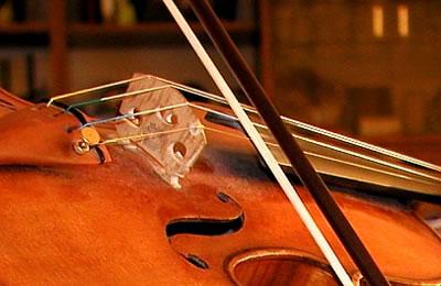 谈小提琴演奏技术中的几种特殊弓法