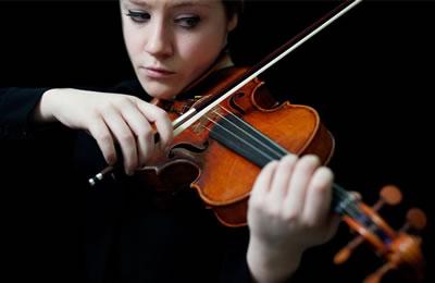 拉奏小提琴时没有共鸣音色不集中