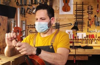 意大利经历新冠肺炎之后小提琴工匠面临黑暗未来